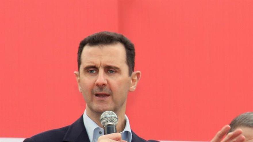 Al Asad celebra fiesta musulmana cerca de una zona recién arrebatada al EI