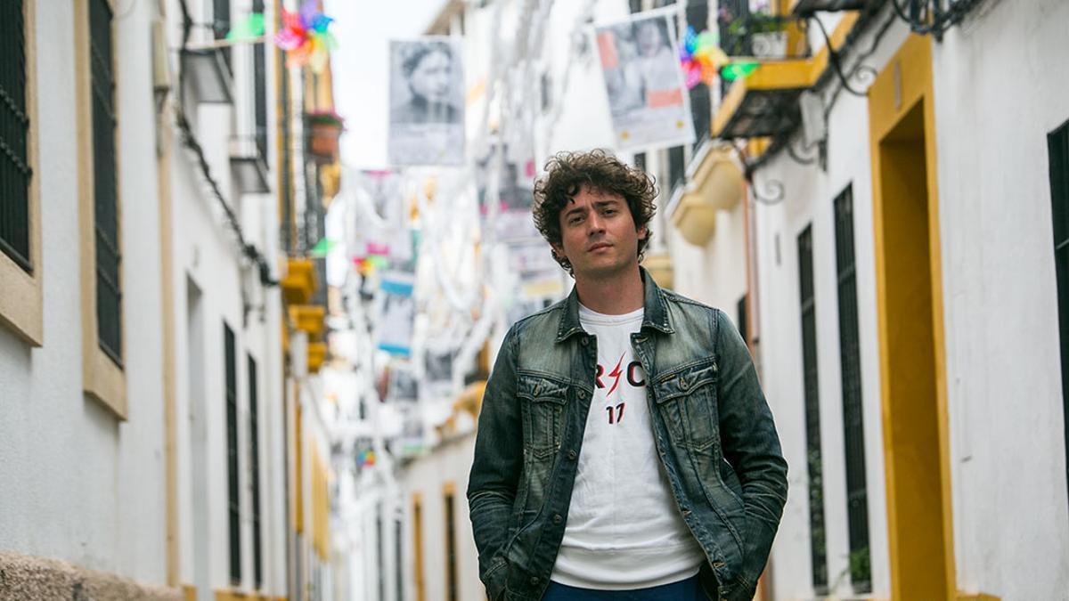 El poeta Juan Antonio Bernier