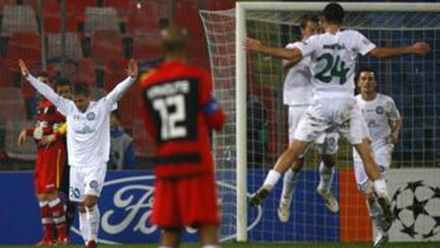 El Unirea sorprende al Sevilla