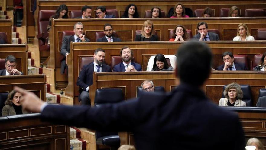 """Sánchez rebate las """"falsedades"""" de Vox y lamenta que influya """"a través del PP"""""""