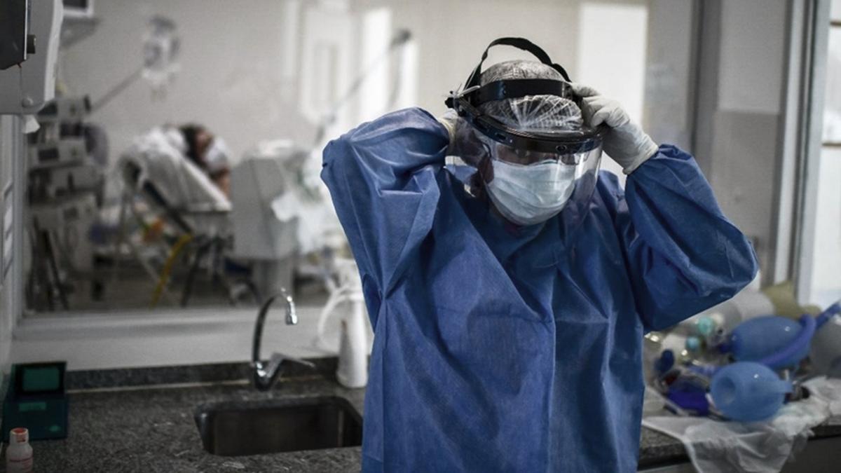 El sistema de salud está en crisis ante la pandemia de Covid-19 que ya lleva más de un año.