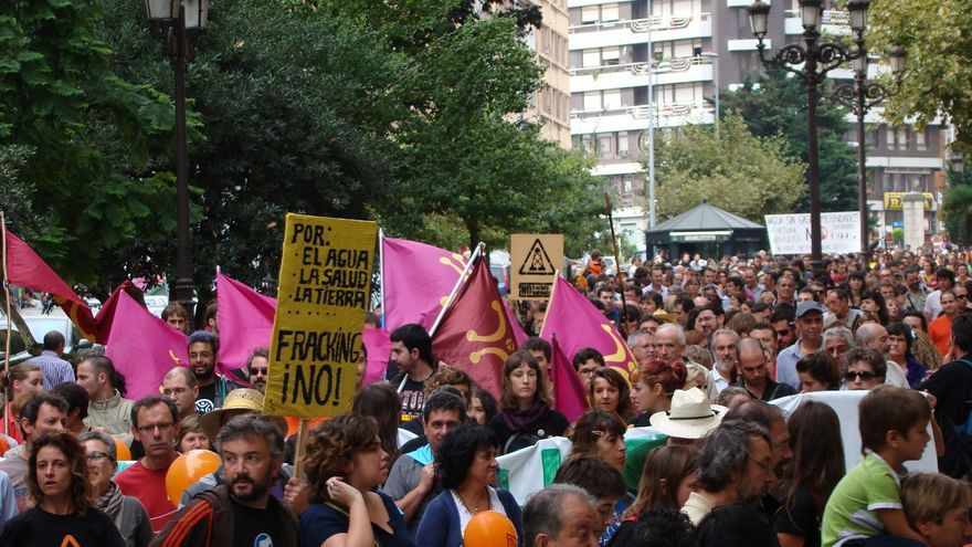 Protesta contra uso de la fractura hidráulica en Cantabria.   ARCHIVO