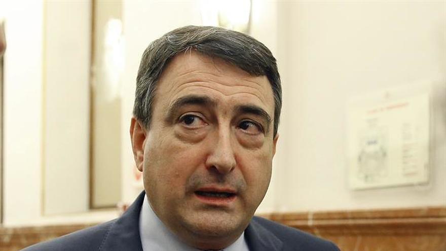 El PNV ve cambio de actitud en el Gobierno pero avisa por ahora no apoya los PGE