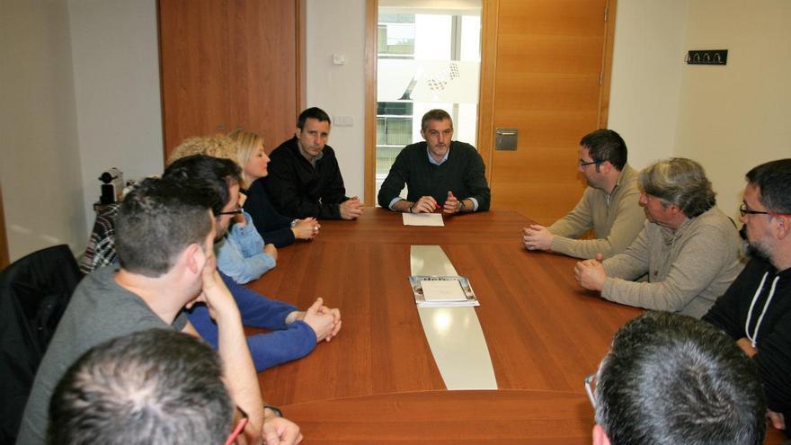 El Secretario General de Podemos en una reunión con el comité de empresa de Juver