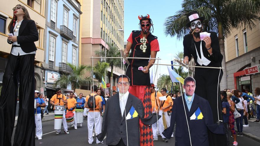 Manifestación contra el macromuelle de Agaete.