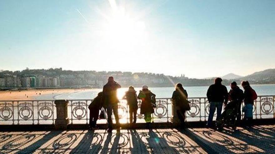 Turismo en Euskadi, del 'Ven y cuéntalo' al 'Quédate y cuéntalo'