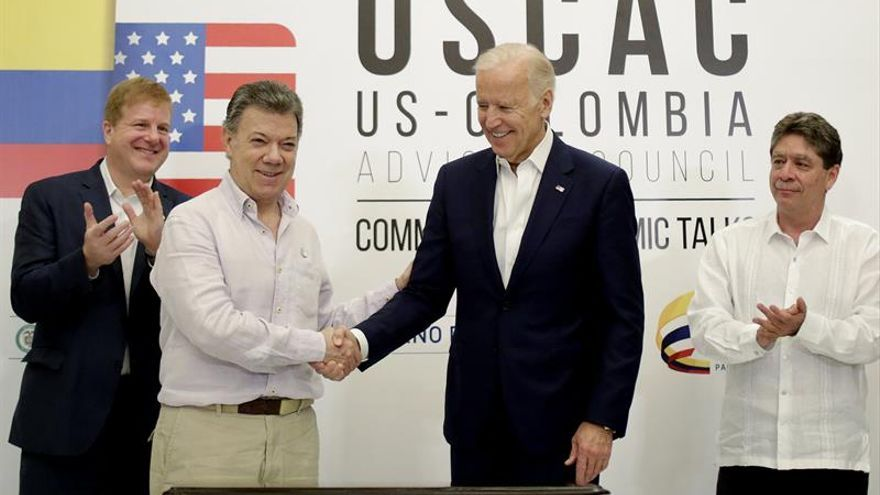 """Biden dice que ahora comienza """"la parte difícil"""" de la paz en Colombia"""