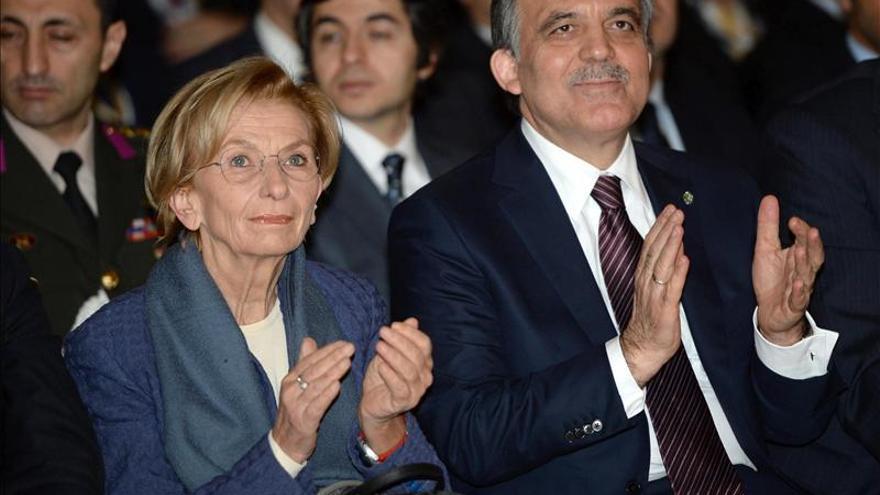 """El Gobierno turco traslada a otros 800 policías en su """"limpieza"""" del cuerpo"""