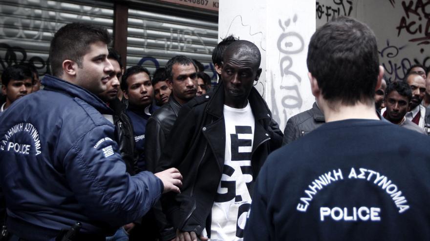 El relator de la ONU pide a la UE que asuma algunos de los inmigrantes de Grecia