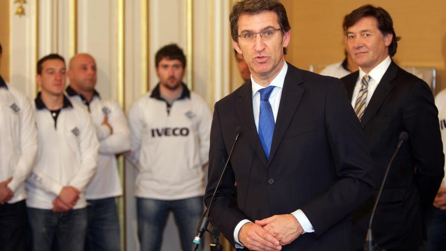 osé Ramón Lete, a la derecha tras Feijóo, en un acto en su anterior etapa como secretario general para el Deporte