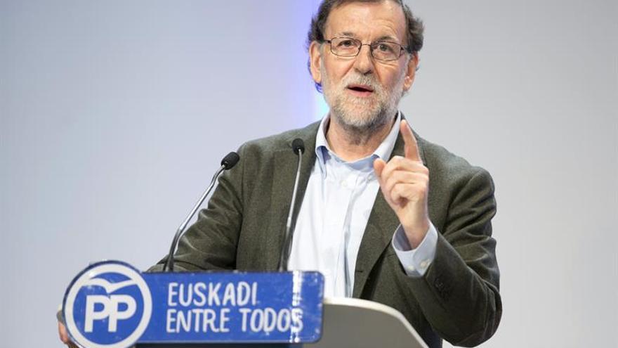 Rajoy avisa a la oposición de que sólo si pacta podrá agotar la legislatura