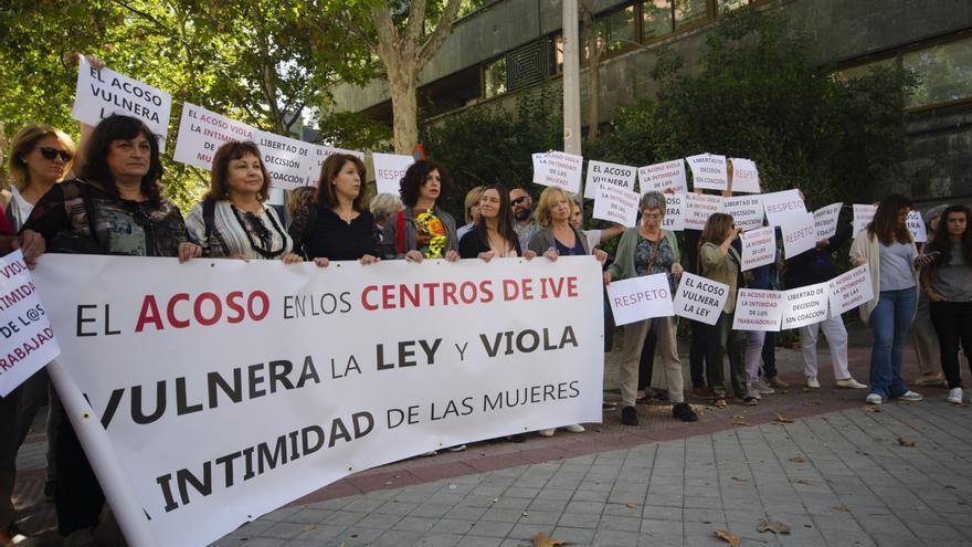 Concentración frente a la clínica Dator (Madrid).