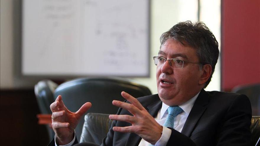 El Gobierno colombiano dice que hay recursos para pagar la seguridad de los amenazados