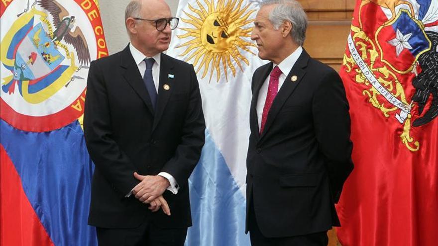 Ministros y autoridades de Chile y Argentina se reunirán en Santiago