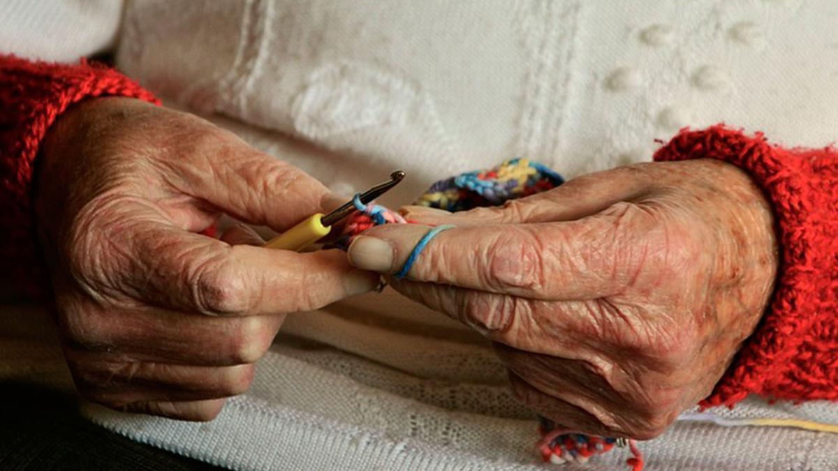 Mujer y con más de 80 años: el perfil mayoritario del usuario del servicio andaluz de teleasistencia