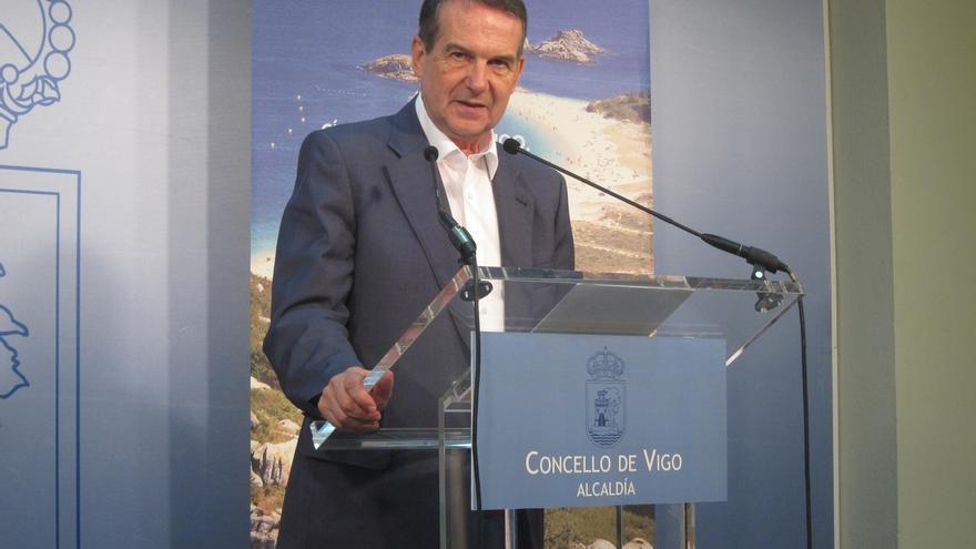"""El portavoz de los alcaldes, a Puigdemont: """"Con Franco se votaba y eso era fascismo puro y duro"""""""