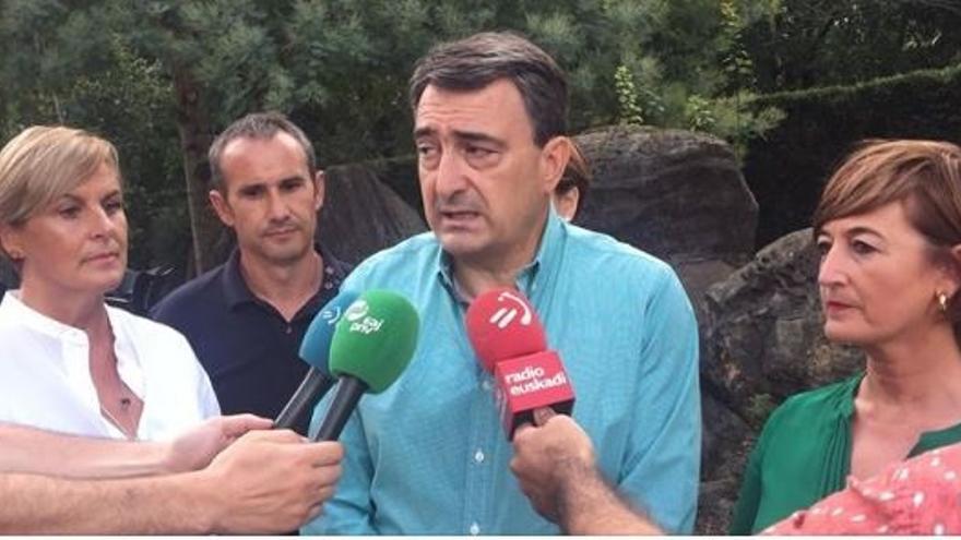 """Esteban (PNV) dice que es """"una posibilidad real"""" que la derecha gane, lo que sería """"un problema muy grave para Euskadi"""""""