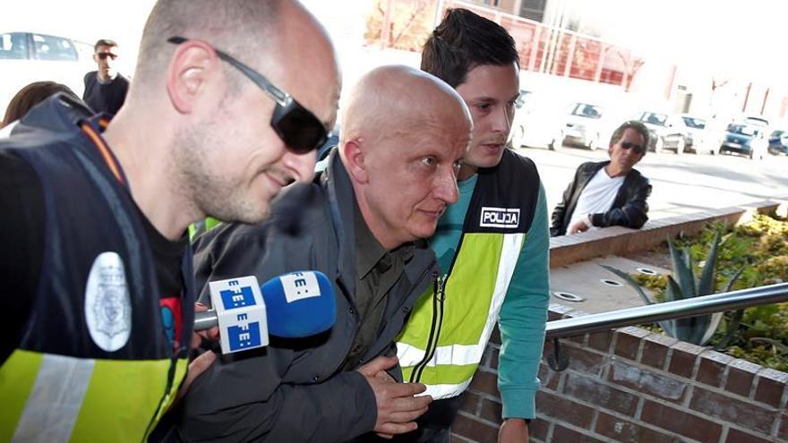 """La jueza deja en libertad sin fianza al """"hombre de los 2.000 tumores"""""""