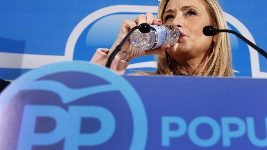 Cifuentes se pregunta cómo va a dejar el PP gobernar a quien le ha insultado