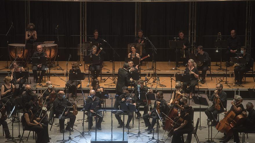 Concierto de la Orquesta de Córdoba en La Axerquía   TONI BLANCO