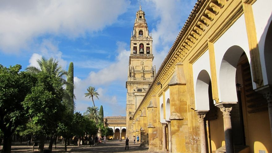 El Cabildo aclara que el convenio para la visita nocturna a la Mezquita de Córdoba sigue vigente