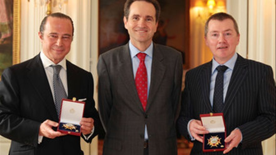 Vázquez y Walsh reciben la Orden de Isabel La Católica