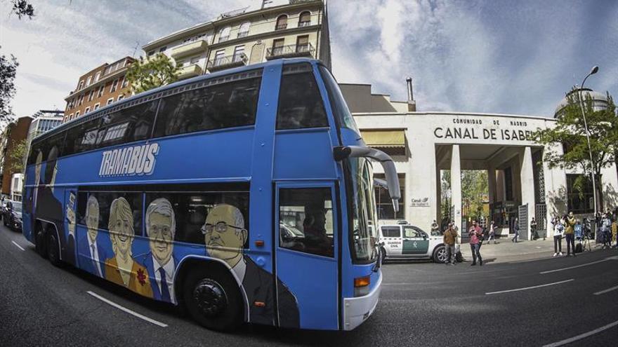 El 'tramabús' de Podemos pasa por el Canal de Isabel II en pleno registro de la UCO
