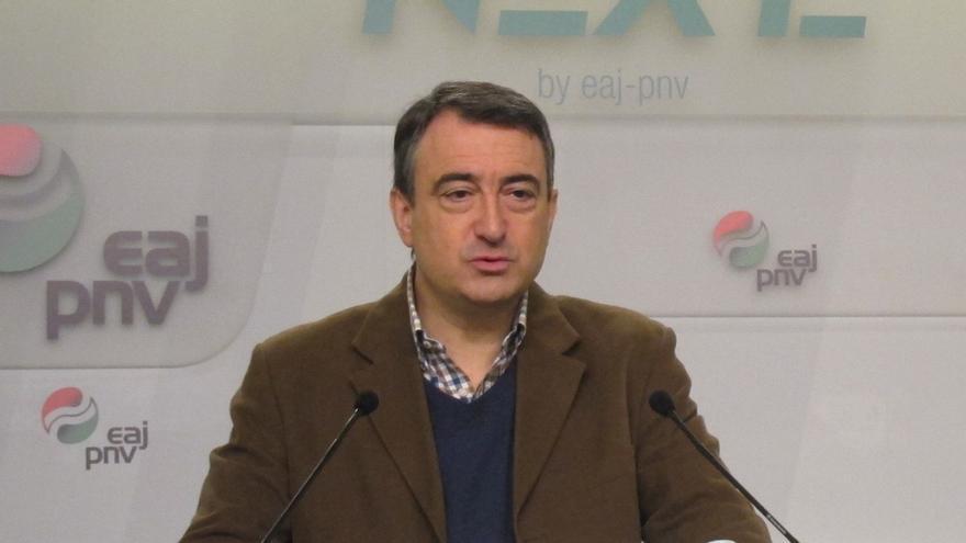 """PNV no cree que Rajoy abogue por sortear los Presupuestos vía decreto, sino por sacarlos adelante """"aunque sea tarde"""""""