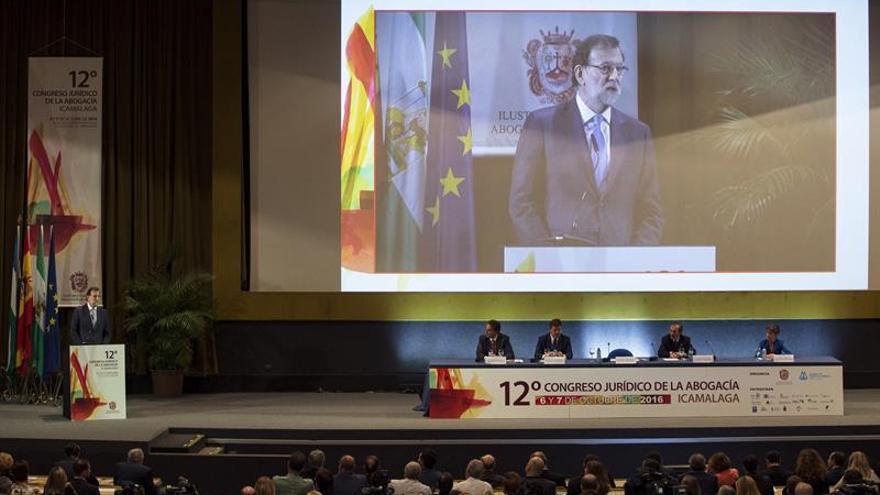 Rajoy asegura que no pondrá ninguna condición al PSOE para su investidura