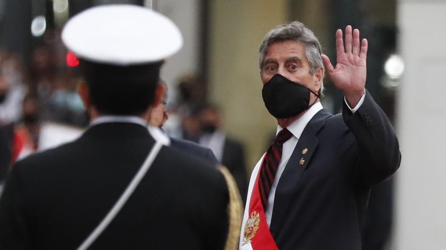 """Sagasti afirma que preside un gobierno """"de emergencia"""" en Perú"""