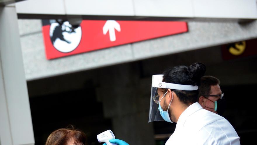 El parque Universal Orlando deja de exigir el uso de mascarillas a los vacunados