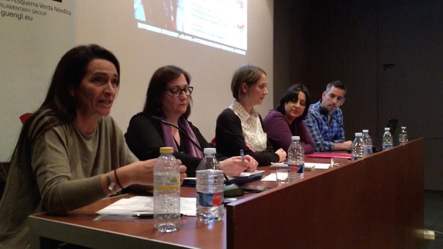Los ponentes en la jornada 'Contra la impunitat franquista. Bebés robats i polítiques de memòria'