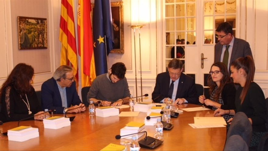 Los dirigentes de PSPV, Compromís y Podemos firman la última renovación del Pacto del Botánico