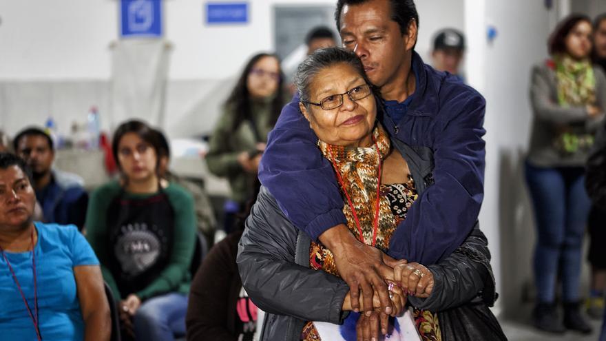 Después de más de 16 años de búsqueda, Clementina Murcia ha podido abrazarse con su hijo Mauro Orlando Funes Murcia y conocer a María Guadalupe Sánchez Parada, su nieta de 15 años.