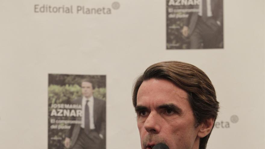 Aznar dice que en Cataluña aplicaría la ley, ahora derogada, que penaba con cárcel convocar un referéndum ilegal