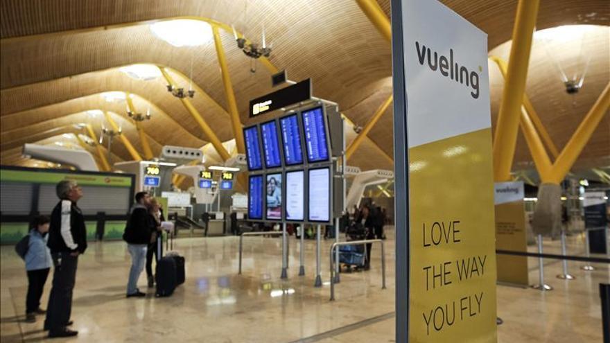 Proponen a Aena mejoras en la información de la sala de llegadas de la T4