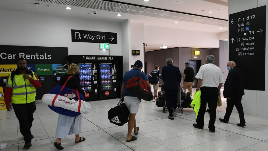 Australia suspende temporalmente los vuelos de la India por la covid-19