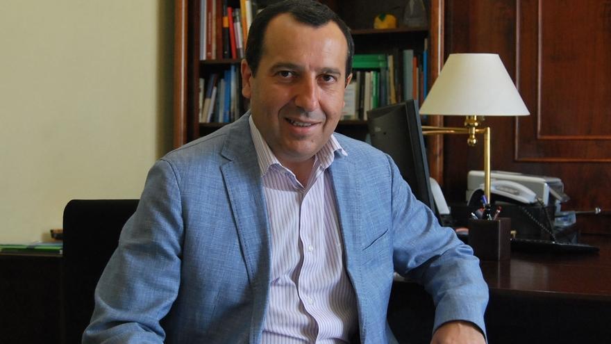 """Ruiz Espejo dice que """"todos tenemos que arrimar el hombro"""" y que """"sirva para hacer más fuerte y unido"""" a PSOE"""