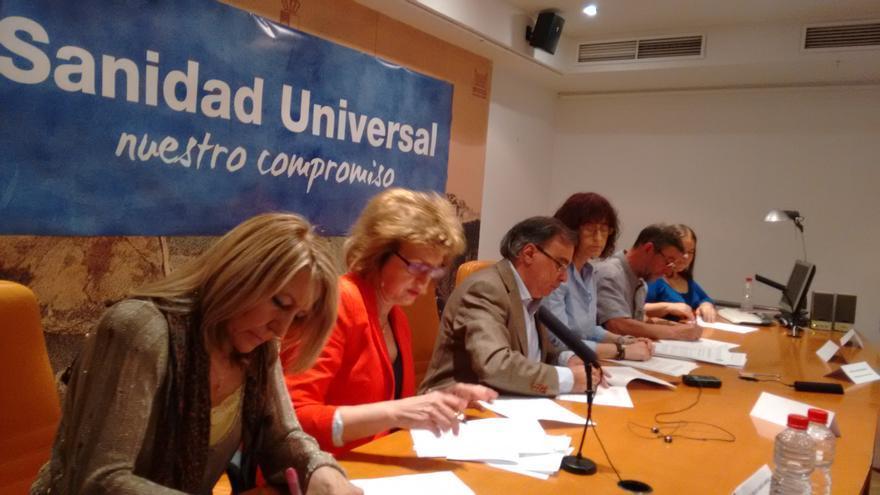 Firma del pacto por la sanidad universal en CLM