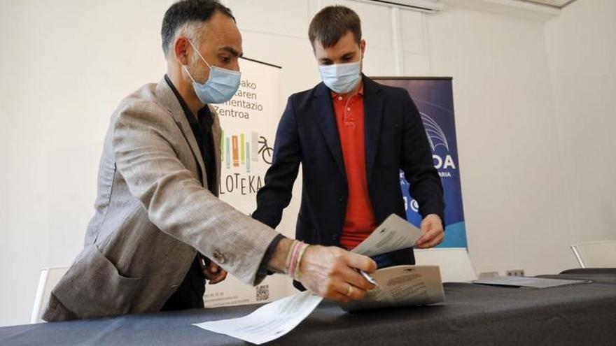 Firma de la renovación del acuerdo Cristina Enea y Diputación de Gipuzkoa
