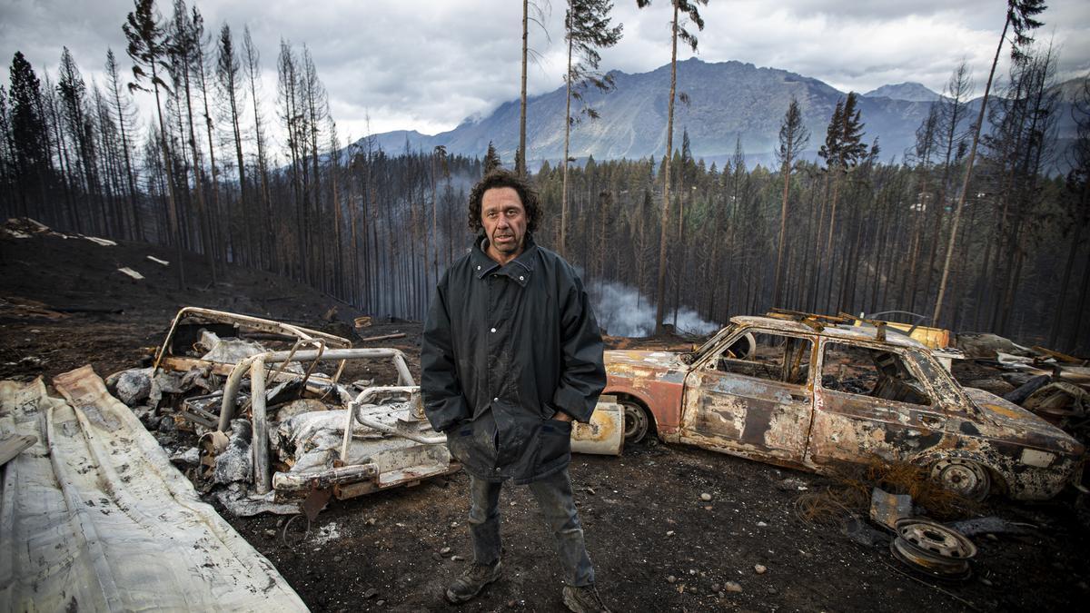 Marcelo perdió su taller en uno de los incendios más grandes de la Comarca Andina.