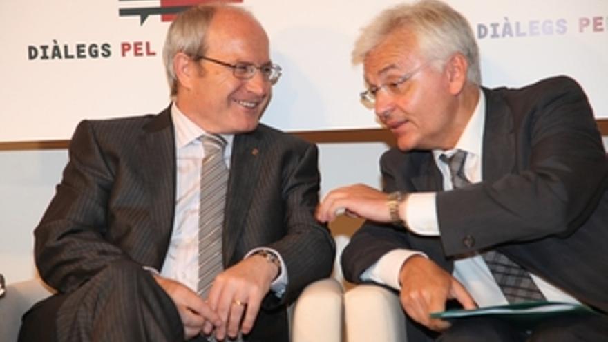 Ferran Mascarell, junto a José Montilla a la izquierda