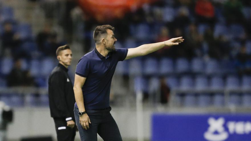 López Garai se despedía este lunes de la plantilla y ofrecía una rueda de prensa.