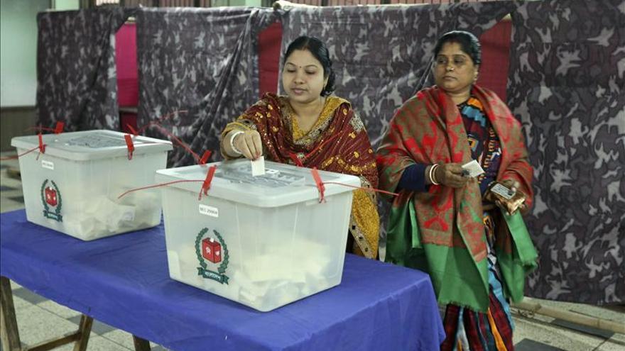 La gobernante Liga Awami gana las violentas elecciones de Bangladesh