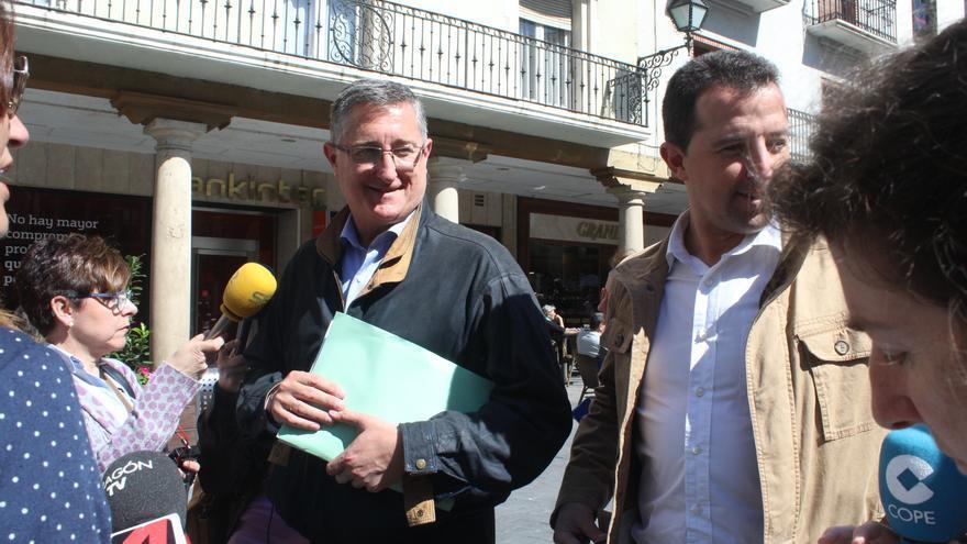 Manuel Blasco, exalcalde de Teruel y actual diputado, después de declarar ante el juez.