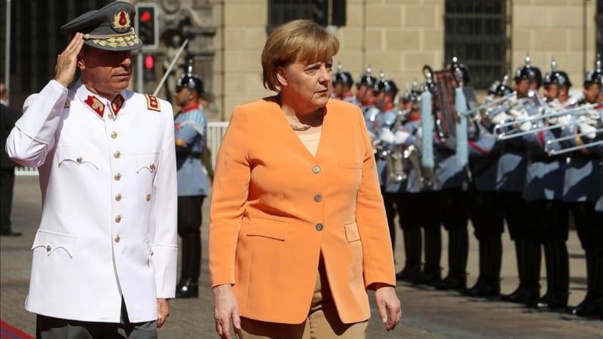 Merkel dice que Gran Bretaña quiere seguir siendo parte de la Unión Europea