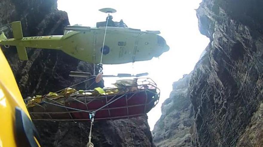 Imagen de archivo de un rescate en el lecho del barranco de Masca