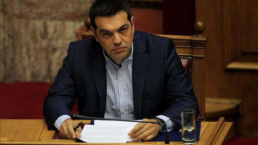 Tsipras atribuye los problema en la acogida de refugiados a la carencia de fondos