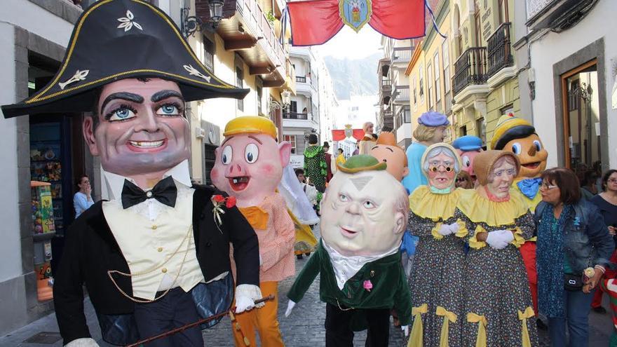 imagen de archivo de la popular comparsa  de La Bajada 2010.