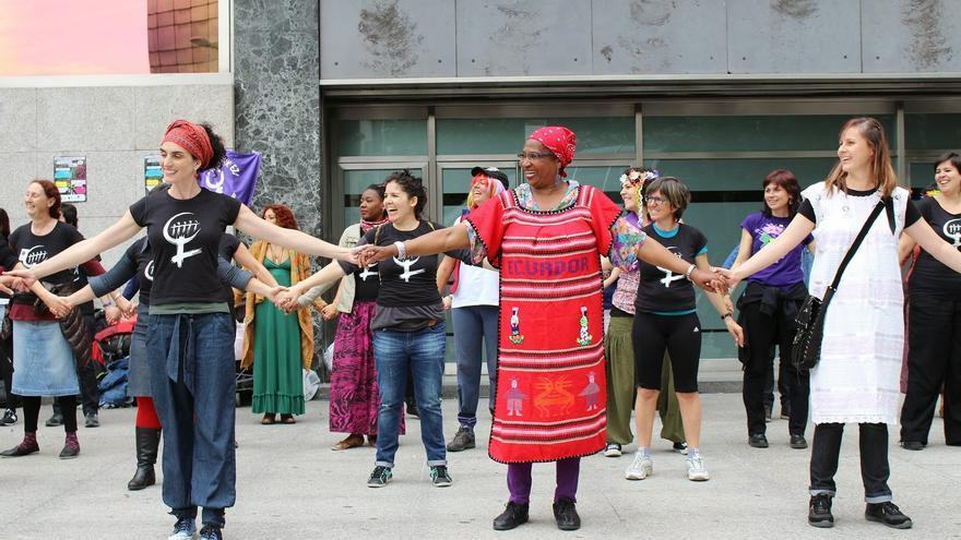 Zumbatón feminista en Bilbao, una de las actividades con motivo de la Emakume Mundu Martxa./ Ecuador Etxea
